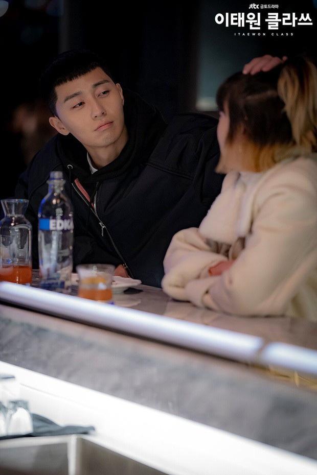 Hội 5 gái xinh mà Park Seo Joon đã quẹt phải: Ai nấy đẹp nhức nách, thích điên hay độc đều có đủ - Ảnh 3.