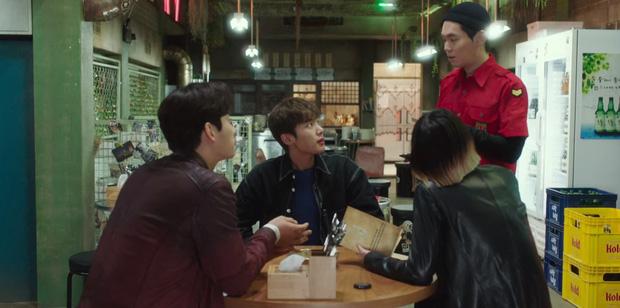 8 hành động tuyển crush cực mạnh của ông chủ Park Seo Joon ở Tầng Lớp Itaewon - Ảnh 12.