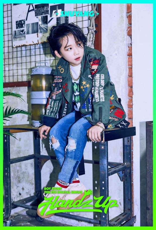 """Hội idol """"nhi đồng"""" trong các nhóm nhạc: Center của IZ*ONE debut năm 14 tuổi vẫn chưa gây sốc bằng thành viên sinh năm 2007 của boygroup nhà JYP - Ảnh 23."""