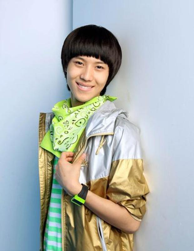 """Hội idol debut khi còn cơ nhỡ: Jungkook (BTS),Tzuyu (TWICE) đều bị thành viên boygroup của JYP """"soán ngôi"""" vì ra mắt năm mới... 11 tuổi - Ảnh 2."""