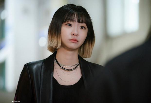 Nhắn chị bạn thân 10 năm ở Itaewon: Bằng đó thời gian không chốt đơn thì dạt ra cho em nữ điên yêu anh chủ Ro Yi dùm! - Ảnh 1.