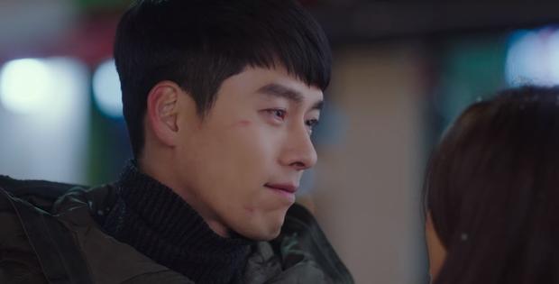 Sạn siêu to ở Crash Landing On You tập 11: Mị lực của Son Ye Jin giúp Hyun Bin lành vết thương sau một đêm? - Ảnh 2.