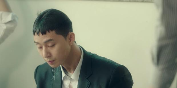 Review Tầng Lớp Itaewon: Anh thanh niên Park Seo Joon tẩm quất con quan tơi bời, thông điệp giàu nghèo ai coi cũng thấm - Ảnh 5.