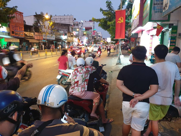 Bắt đối tượng nghi ôm lựu đạn cố thủ ở Sài Gòn tại tỉnh Đồng Nai - Ảnh 4.