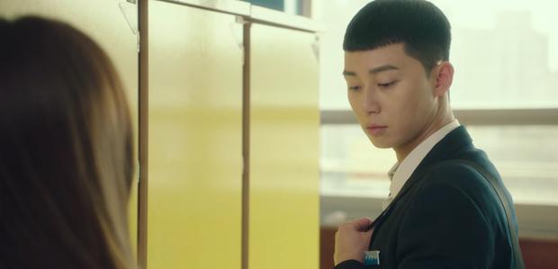 Review Tầng Lớp Itaewon: Anh thanh niên Park Seo Joon tẩm quất con quan tơi bời, thông điệp giàu nghèo ai coi cũng thấm - Ảnh 7.