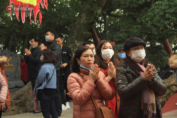 Phát miễn phí 75.000 chiếc khẩu trang y tế phòng ngừa đại dịch corona tại Hà Nội, nhiều người từ chối nhận - Ảnh 20.
