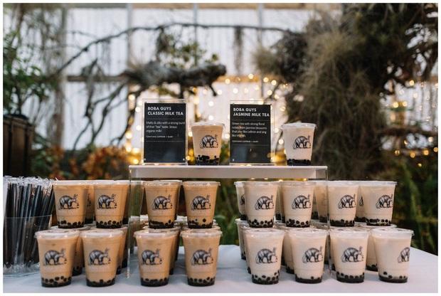 """Đám cưới đãi bia rượu là xưa rồi, giờ phải hâm nóng tình yêu bằng… trà sữa trân châu trong ngày lễ trọng đại mới """"đúng gu""""! - Ảnh 6."""
