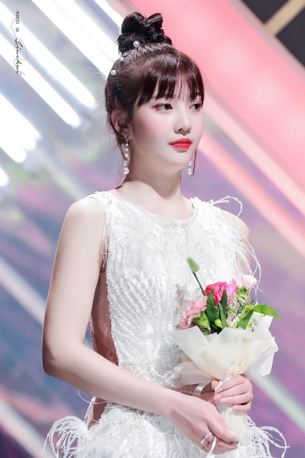 Không phải nữ thần Irene hay Tzuyu, Joy mới là mỹ nhân hot nhất SMA 2020: Vừa đẹp như thiên thần vừa sexy, ai chịu nổi? - Ảnh 4.