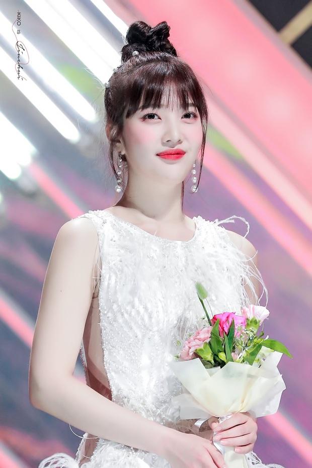 Không phải nữ thần Irene hay Tzuyu, Joy mới là mỹ nhân hot nhất SMA 2020: Vừa đẹp như thiên thần vừa sexy, ai chịu nổi? - Ảnh 3.