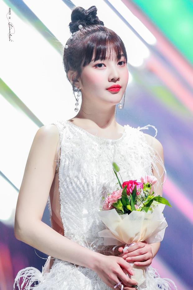Không phải nữ thần Irene hay Tzuyu, Joy mới là mỹ nhân hot nhất SMA 2020: Vừa đẹp như thiên thần vừa sexy, ai chịu nổi? - Ảnh 1.