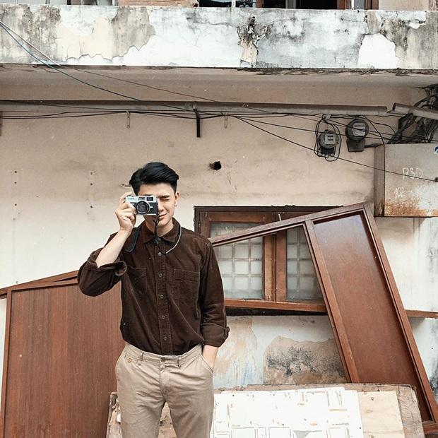 """Tung ảnh du xuân ở Ninh Bình, anh chàng khiến dân mạng """"say đứ đừ"""": Là nắng chói chang hay vì anh mà xốn xang? - Ảnh 11."""