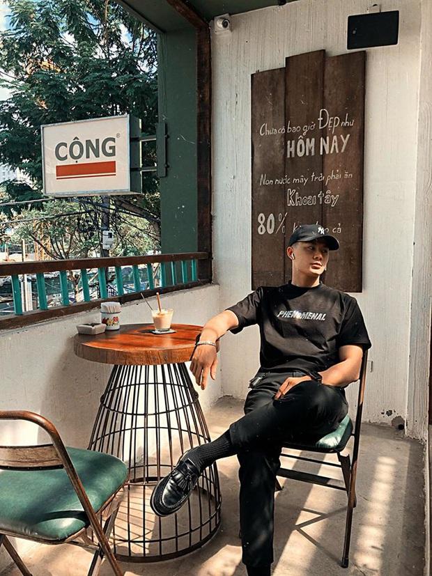 """Tung ảnh du xuân ở Ninh Bình, anh chàng khiến dân mạng """"say đứ đừ"""": Là nắng chói chang hay vì anh mà xốn xang? - Ảnh 10."""