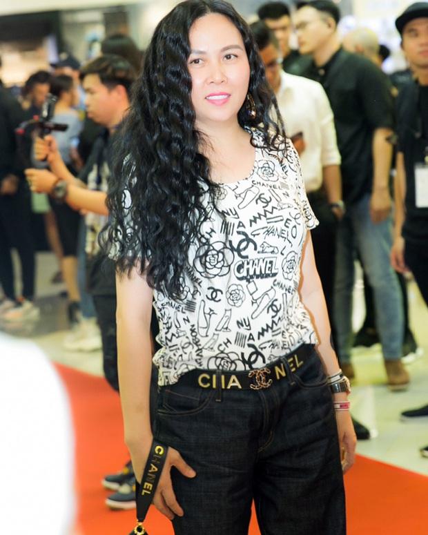 Phượng Chanel: Style có thể lên xuống thất thường nhưng làn da mộc mạc ở tuổi 40+ của nữ đại gia thì luôn căng mịn không tỳ vết - Ảnh 2.