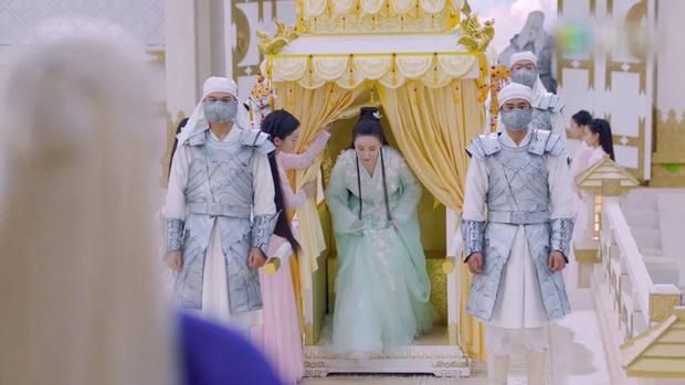 Biệt đội thần tiên ở Chẩm Thượng Thư đồng loạt đeo khẩu trang phòng dịch - Ảnh 1.