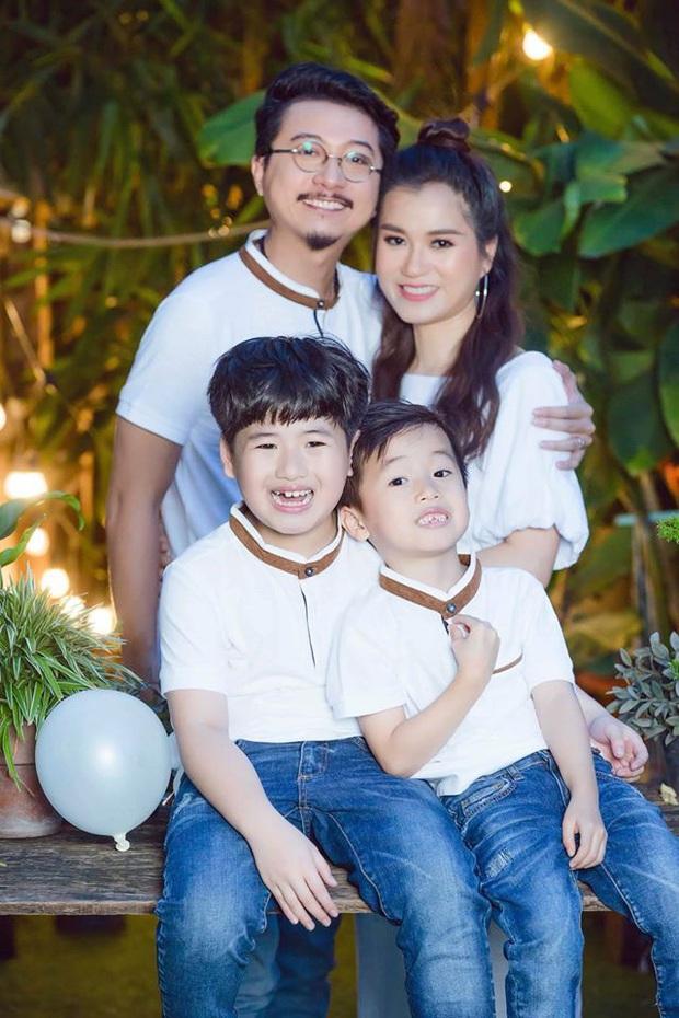 10 cặp vợ chồng Vbiz gắn kết hơn 1 thập kỷ: Chuyện tình Hà Tăng đẹp phim, Hồ Hoài Anh - Hương Giang xa để lại về với nhau - Ảnh 45.