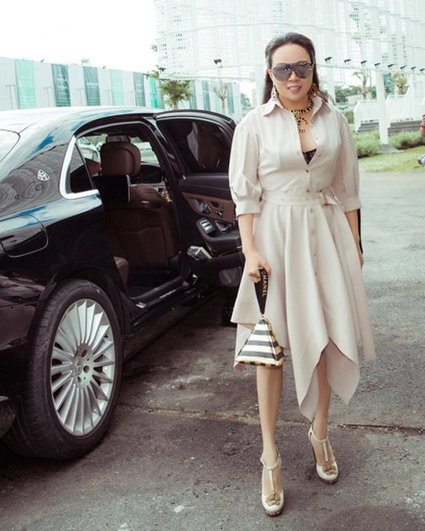 Phượng Chanel: Style có thể lên xuống thất thường nhưng làn da mộc mạc ở tuổi 40+ của nữ đại gia thì luôn căng mịn không tỳ vết - Ảnh 5.