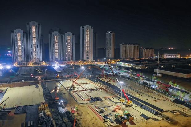 Một loạt hình ảnh mới về 2 bệnh viện dã chiến của Trung Quốc chống dịch virus Vũ Hán sắp hoàn thành - Ảnh 5.