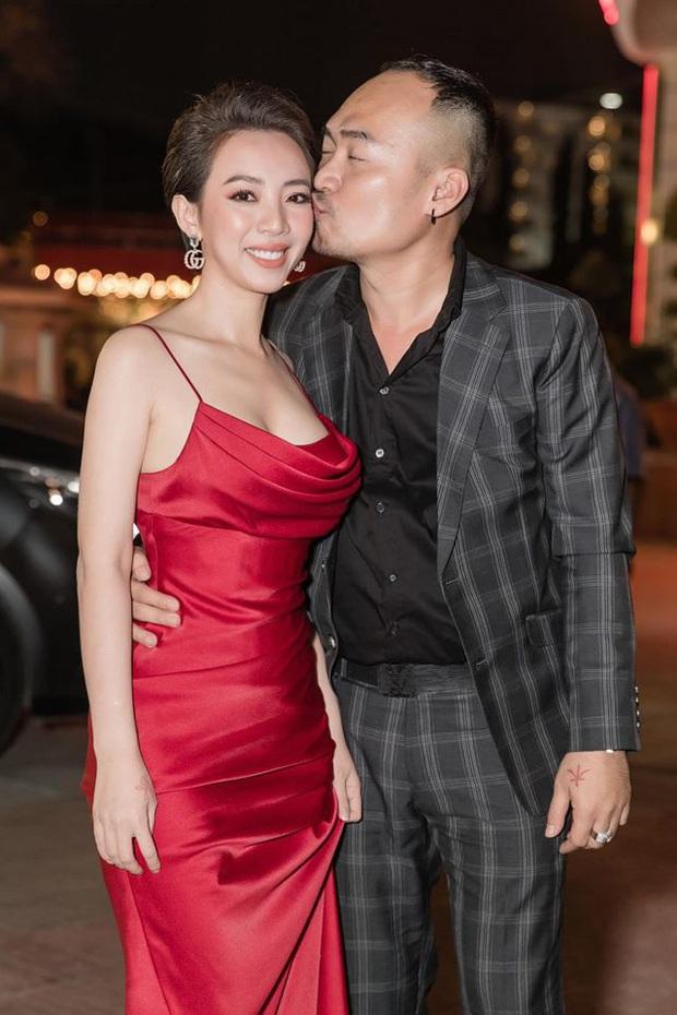 10 cặp vợ chồng Vbiz gắn kết hơn 1 thập kỷ: Chuyện tình Hà Tăng đẹp phim, Hồ Hoài Anh - Hương Giang xa để lại về với nhau - Ảnh 48.