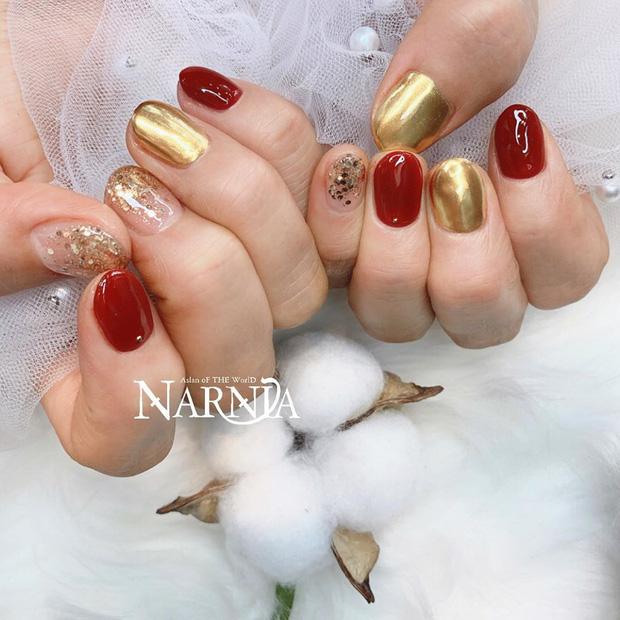 Tham khảo 20 mẫu nail mạ vàng cực đẹp và sang đang rất hot tại Hàn Quốc - Ảnh 7.