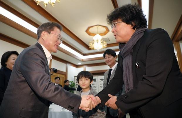 Dàn sao Ký sinh trùng gây bão khi diện kiến Tổng thống Hàn tại Nhà Xanh, sao nhí điển trai đến mức chiếm trọn spotlight - Ảnh 3.
