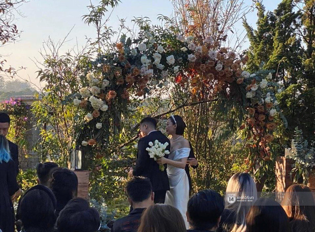 Ngây ngất trước vẻ đẹp của cô dâu Tóc Tiên trong bộ váy cưới tinh khôi: Xinh lung linh, rạng rỡ như một nàng công chúa! - Ảnh 2.