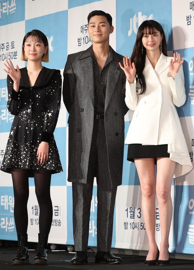 Ngất lịm loạt ảnh nữ quái Kim Da Mi đi thảm đỏ Oscar Hàn: Body nóng bỏng, chân dài 1m7 hóa ra bị Park Seo Joon dìm - Ảnh 11.