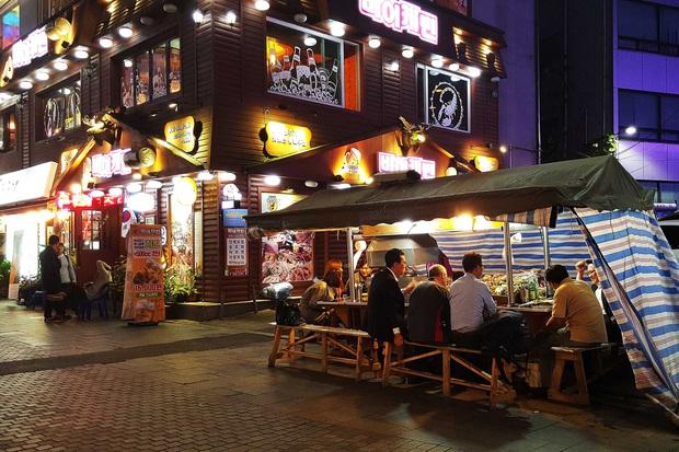 """Tất tần tật về Pojangmacha - văn hoá """"quán cóc"""" ven đường có một không hai ở Hàn Quốc từng gây bão trong nhiều bộ phim đình đám - Ảnh 5."""