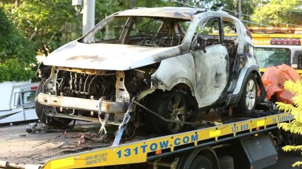Sốc: Cựu sao bóng bầu dục phóng hỏa thiêu chết vợ và ba con nhỏ trước khi rút dao tự kết liễu mạng sống - Ảnh 2.