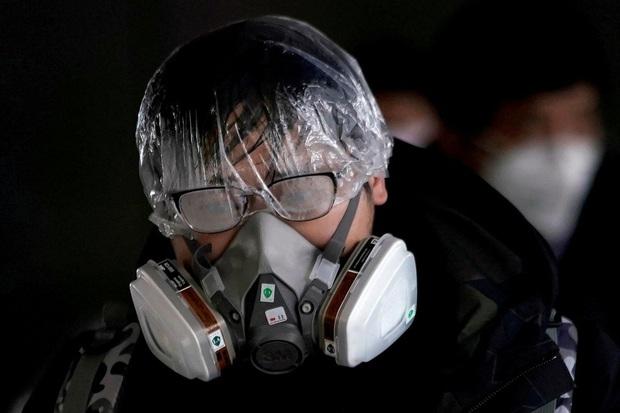 Thêm 108 người tử vong vì virus corona: Đã có 8 người chết ngoài biên giới Trung Quốc đại lục, số ca nhiễm mới ở Hồ Bắc giảm cực mạnh còn hơn 300 người - Ảnh 1.