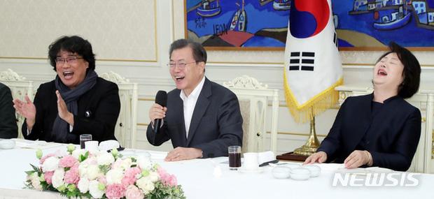 Dàn sao Ký sinh trùng gây bão khi diện kiến Tổng thống Hàn tại Nhà Xanh, sao nhí điển trai đến mức chiếm trọn spotlight - Ảnh 8.