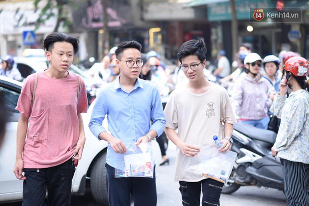 Khoảng 40.000 học sinh Hà Nội có thể sẽ trượt vào lớp 10 công lập năm 2020 - Ảnh 1.