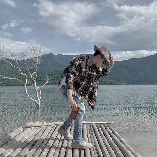 Soi style du lịch của Sơn Tùng M-TP: Đúng là một Cự Giải, toàn thấy đi biển với cả sông suối! - Ảnh 11.