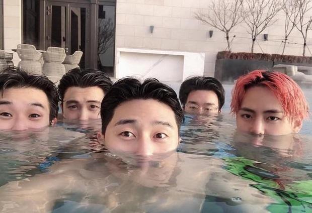 Hội bạn thân toàn mỹ nam của Park Seo Joon: thân thiết như hình với bóng, còn thường xuyên đi ăn chơi và du lịch với nhau - Ảnh 11.
