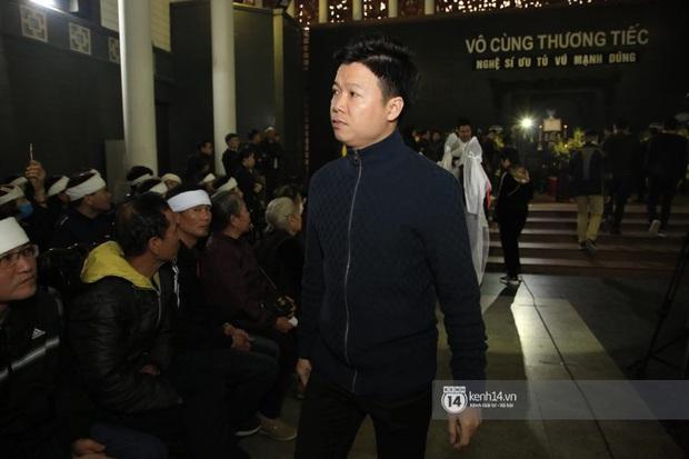 Xuân Bắc, Thanh Lam cùng dàn nghệ sĩ Việt không giấu được nỗi buồn, bật khóc trong tang lễ NSƯT Vũ Mạnh Dũng - Ảnh 14.