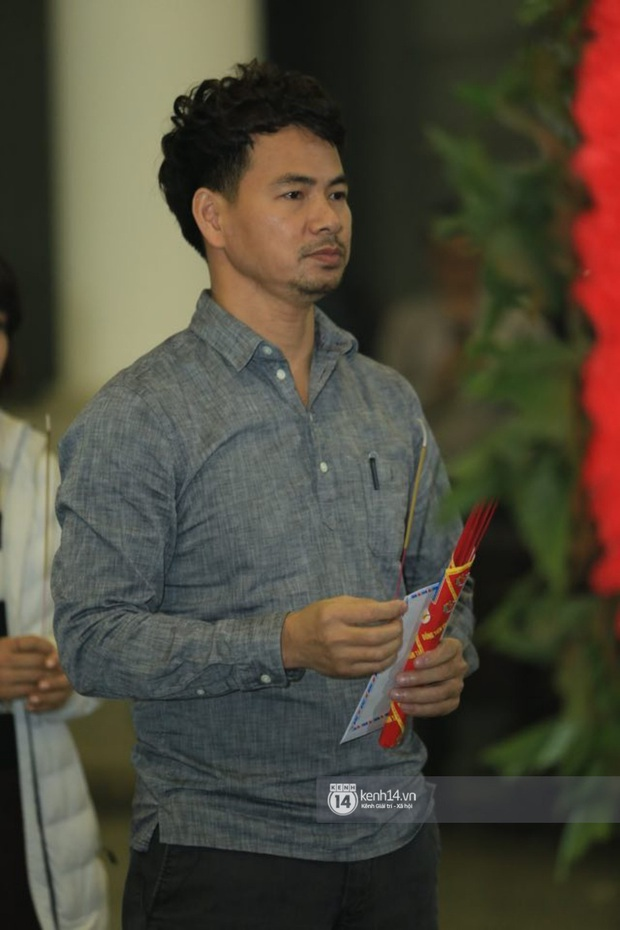Xuân Bắc, Thanh Lam cùng dàn nghệ sĩ Việt không giấu được nỗi buồn, bật khóc trong tang lễ NSƯT Vũ Mạnh Dũng - Ảnh 5.