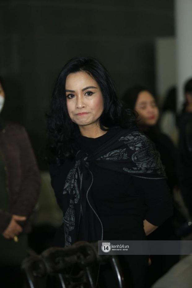 Xuân Bắc, Thanh Lam cùng dàn nghệ sĩ Việt không giấu được nỗi buồn, bật khóc trong tang lễ NSƯT Vũ Mạnh Dũng - Ảnh 7.