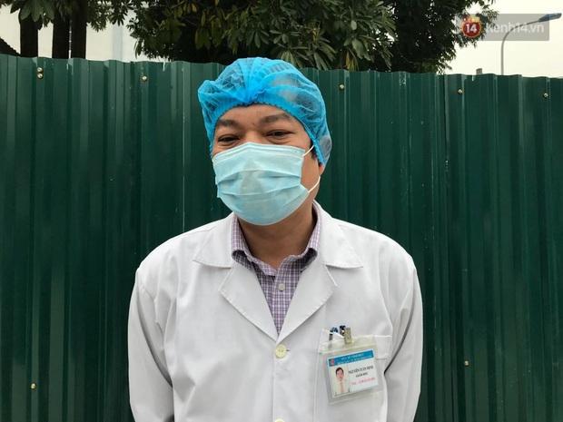 Mẹ và em gái nữ công nhân trở về từ Vũ Hán được xuất viện sau 15 ngày điều trị COVID-19: Thấy bảo mọi người nói con ghê quá, tôi chỉ biết động viên gia đình cố gắng vượt lên - Ảnh 5.