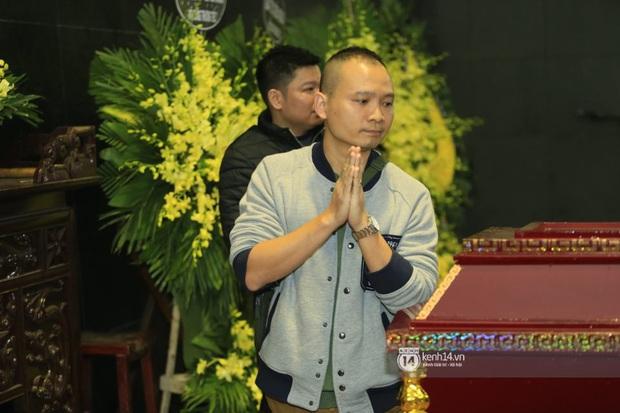 Xuân Bắc, Thanh Lam cùng dàn nghệ sĩ Việt không giấu được nỗi buồn, bật khóc trong tang lễ NSƯT Vũ Mạnh Dũng - Ảnh 11.