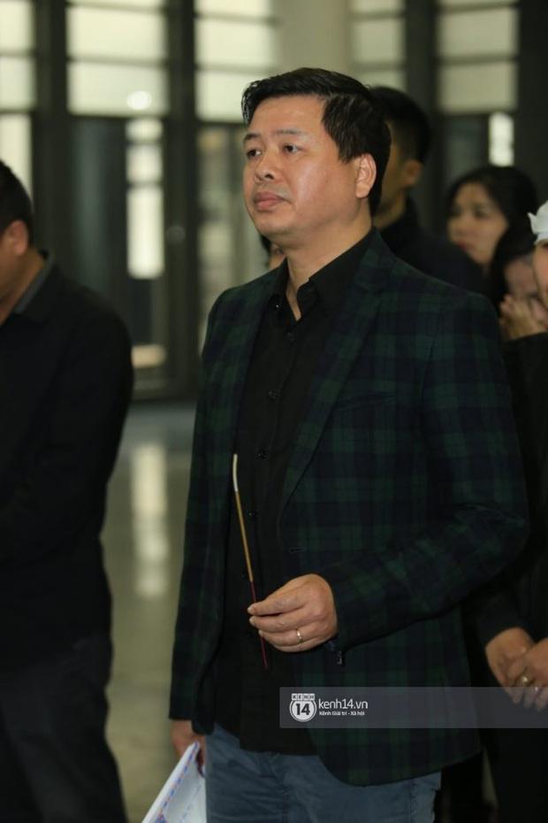 Xuân Bắc, Thanh Lam cùng dàn nghệ sĩ Việt không giấu được nỗi buồn, bật khóc trong tang lễ NSƯT Vũ Mạnh Dũng - Ảnh 9.