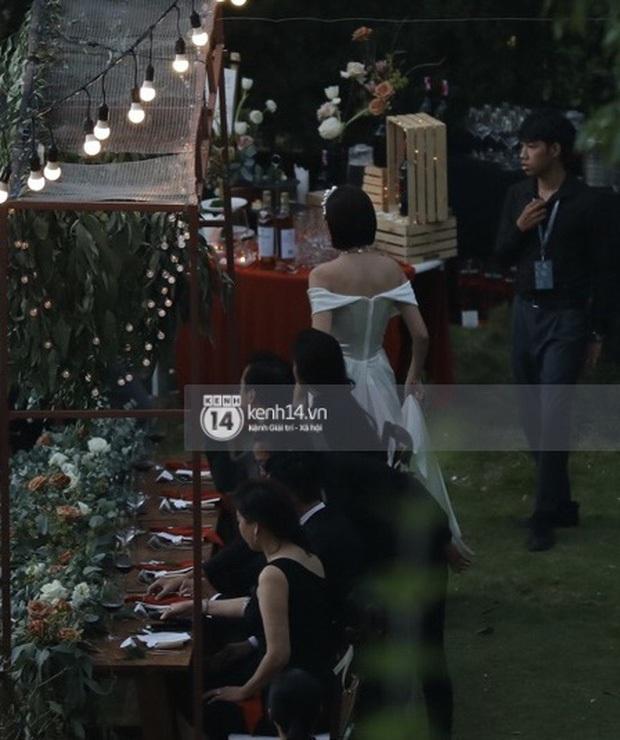 Ngắm 2 bộ váy cưới mới thấy ngưỡng mộ gu thời trang của Tóc Tiên, chiếc nào cũng tinh giản nhưng xinh, sang và gợi cảm quá đỗi - Ảnh 6.