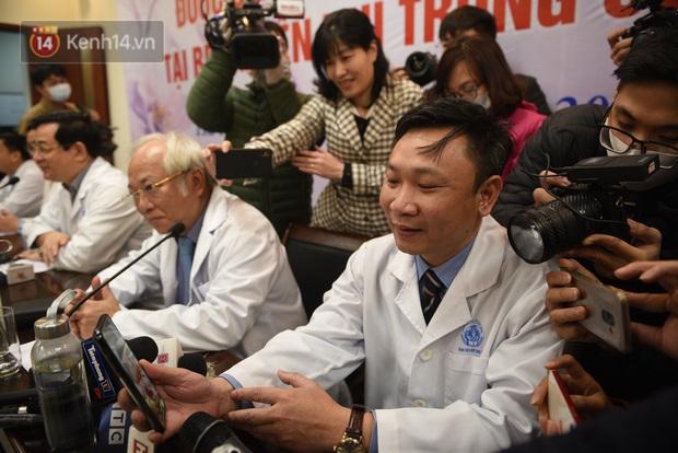 Bé 3 tháng, bệnh nhân Covid-19 nhỏ tuổi nhất Việt Nam chính thức xuất viện - Ảnh 7.