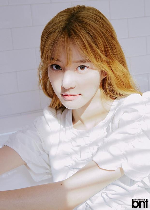Ái nữ nhà Mama Chuê diện đồng phục gây choáng: Em gái Song Joong Ki nay đã 30 tuổi nhưng sao như học sinh thế này? - Ảnh 12.