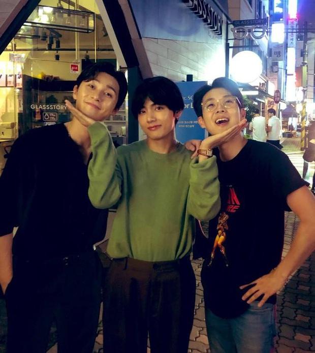 Hội bạn thân toàn mỹ nam của Park Seo Joon: thân thiết như hình với bóng, còn thường xuyên đi ăn chơi và du lịch với nhau - Ảnh 15.