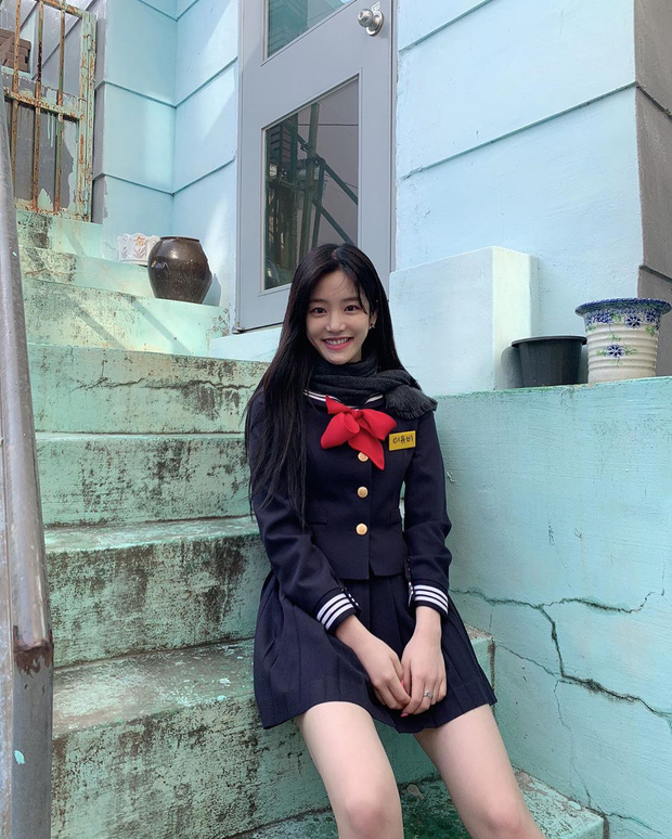 Ái nữ nhà Mama Chuê diện đồng phục gây choáng: Em gái Song Joong Ki nay đã 30 tuổi nhưng sao như học sinh thế này? - Ảnh 5.