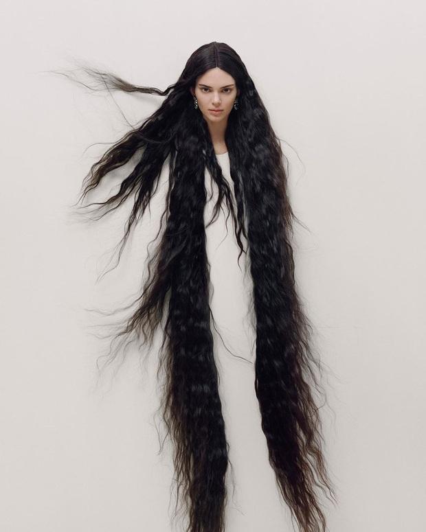 Sang chấn với bộ ảnh mới của Kendall Jenner: Concept dị gây lú, phô bày vòng 1 quá sức bạo liệt - Ảnh 4.