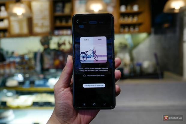 Thử làm vlog bằng Galaxy Z Flip, thế mới biết hộp phấn này đa tài đến cỡ nào - Ảnh 4.