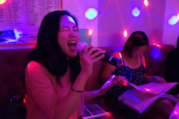 Xem Tầng Lớp Itaewon mới thấy văn hoá ăn nhậu ở Hàn Quốc cầu kỳ như thế nào: Từ chối kèo bị coi là thất lễ, còn có cả lịch tụ tập mỗi tuần - Ảnh 9.