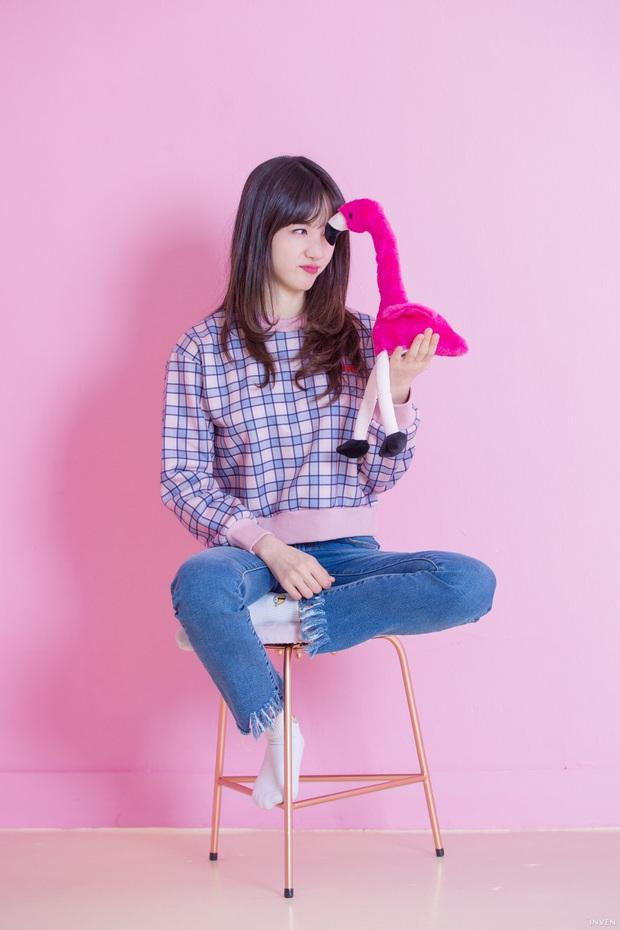 Ngắm trọn nhan sắc tựa thiên thần của nữ MC mới của LCK Kim Min Ah, không chỉ tài năng mà còn vô cùng xinh đẹp - Ảnh 8.