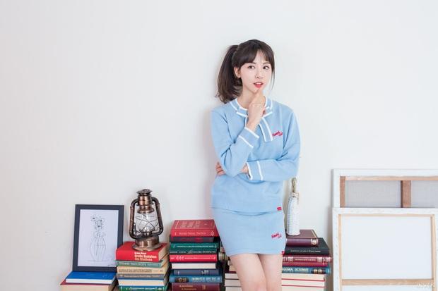 Ngắm trọn nhan sắc tựa thiên thần của nữ MC mới của LCK Kim Min Ah, không chỉ tài năng mà còn vô cùng xinh đẹp - Ảnh 10.