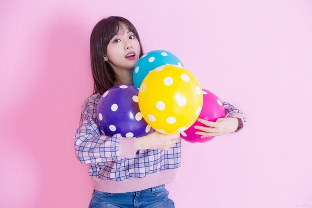 Ngắm trọn nhan sắc tựa thiên thần của nữ MC mới của LCK Kim Min Ah, không chỉ tài năng mà còn vô cùng xinh đẹp - Ảnh 11.